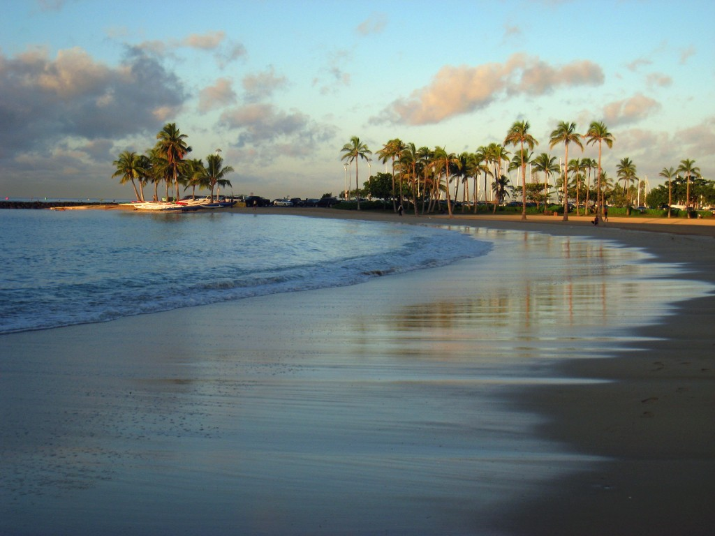 hawaii_waikiki_beach_sand